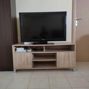 Πωλείται έπιπλο τηλεόρασης.
