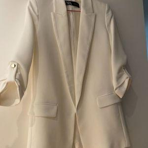 Σακακι λευκό