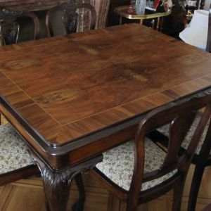 Τραπεζαρία αντίκα (τραπέζι και 6 καρέκλες)
