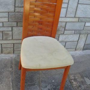 Πωλούνται 6 ξύλινες καρέκλες