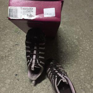 Αθλητικό ζευγάρι παπουτσια