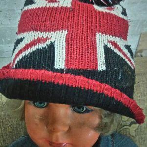 αγγλικη σημαια σε  μαλλινο  σκουφο