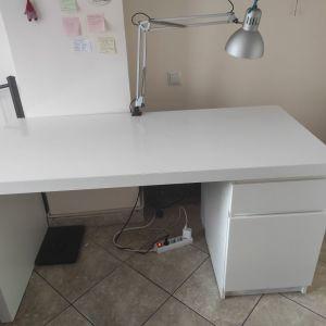 Έπιπλο γραφείου σε λευκό χρώμα
