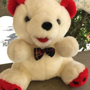 Αρκουδάκι λούτρινο λευκό