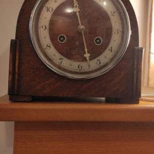 Ρολόι ξύλινο, κουρδιστό με ήχο.