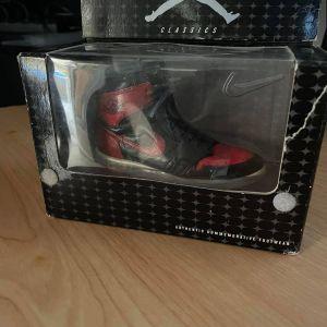 Nike Classics Air Jordan 1 I Bred Bowen Designs Commemorative Miniature Figure