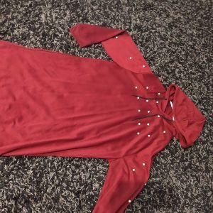 Φούτερ φόρεμα ΜL με πέρλες και κουκούλα