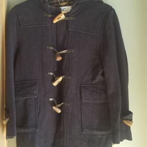 ΠΡΟΣΦΟΡΑ...BURBERRYS  παλτο με 12 ζευγαρια καλτσες
