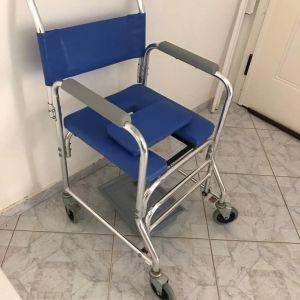 Καρέκλα για άτομα με περιορισμένη κινητικότητα. (Με ροδάκια).