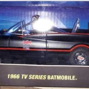 *LIMITED* BATMOBILE 1966 TV SERIES - ELITE EDITION / 1 OF 5000 / HOT WHEELS / 1:18 - MATTE BLACK / DIECAST