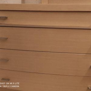 συρταριέρα με 2 κομοδίνα και καθρέφτη
