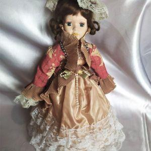 4 πορσελάνινες κούκλες