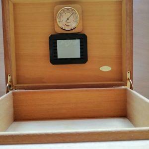 κουτι για πουρα συντηρηση με υγραντη