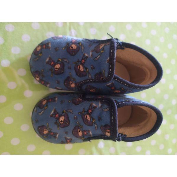 vrefikes dermatines pantofles no21