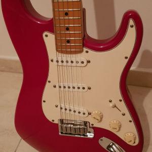 Κιθάρα Fender stratocaster με θήκη fender.