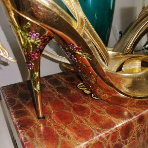 Πανέμορφα παπούτσια Donna di gio 38 νούμερο