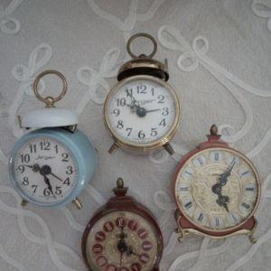 Ρολόγια μίνι επιτραπεζια