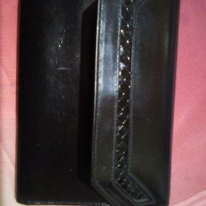 Vintage μαύρο δερμάτινο πορτοφόλι.