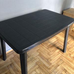 τραπέζι πλαστικό σαν καινούριο