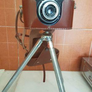 Φωτογραφική Μηχανή με τρίποδο