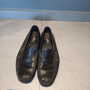 Παπούτσια δερμάτινα μοκασίνια