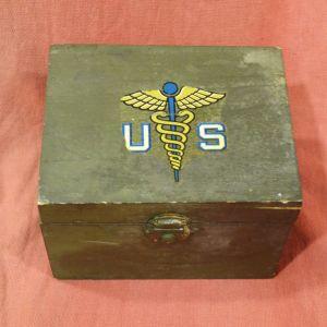 Υγειονομική αμερικάνικη συσκευασία-συλλογή του Β΄ΠΠ, και χρησιμοποιήθηκε και από τον Ελληνικό Στρατό