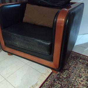 δερμάτινη πολυθρόνα