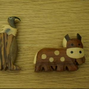 2 ξυλινα ζωακια