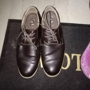 παπούτσια αντρικα σε πολυ καλη κατάσταση τιμη 4 ευρω ειναι 2 φορες φορεμενα