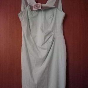 Ολοκαίνουργιο φόρεμα με ταμπέλα του. Νο 56  Μασχάλη 57 έως 61  Μέση 49  Περιφέρεια 59  Μήκος από τη μασχάλη 85  Τιμή 20€ από 85€ αρχική τιμή.