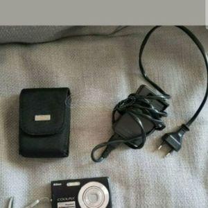 Φωτογραφική μηχανή NIKON Coolpix 7.1 Megapixels VR & ISO 1000 2.5 inch