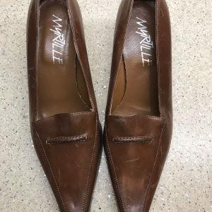 Δερμάτινα παπούτσια 39