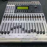 Beringer 1632 digital mix