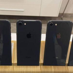 Iphone 8 Original Black (64GB) Εκθεσιακές καινούργιες συσκευές 9 μήνες εγγύηση.