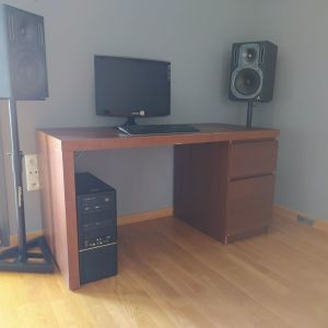 Γραφείο MALM με όψη ξύλου μελιάς