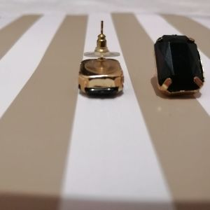 σκουλαρίκια κουμπωτα τα 2 ζευγάρια 3 ευρώ