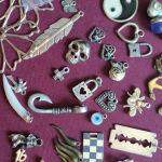 Μεταλλικά στοιχεία για την κατασκευή κοσμημάτων.