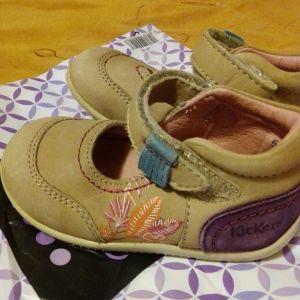 παιδικά παπούτσια για κοριτσάκια 22 νούμερο kickers ολοκαίνουργια