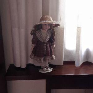 Διακοσμητική κούκλα