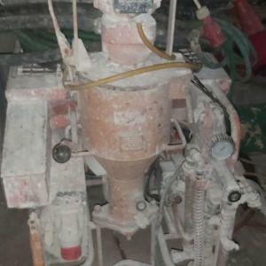 Μεταχειρισμένη. μηχανή για έτοιμο  σοβά g4  γερμανικής προέλευσης κομπλέ