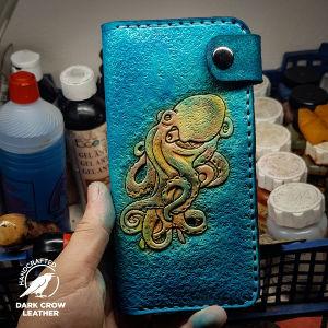 Δερμάτινη θήκη κινητού χειροποίητη  με σκαλιστό σχέδιο στο χέρι επιλογή σας/ Leather phone  case wallet handmade