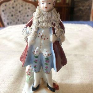 Πορσελάνινο αγαλματάκι 12 cm.