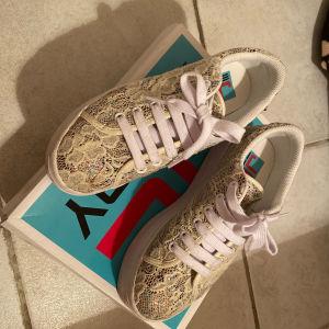 Jeffrey Campell  sneakers