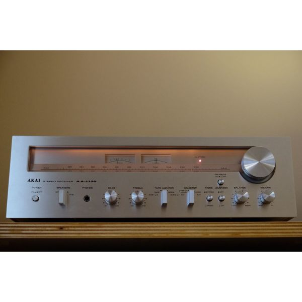 AKAI AA-1135 Stereo Receiver