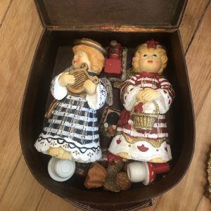Κουτί με χριστουγεννιάτικα διακοσμητικά πορσελάνινα