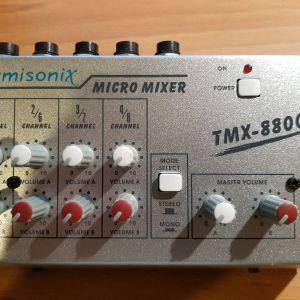 μίκτης 4 καναλιών, Lumisonix TMX-8800