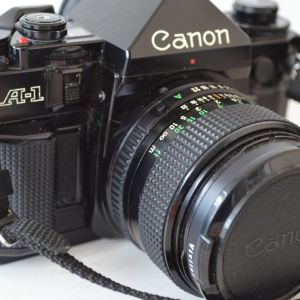 Φωτογραφική μηχανή Canon A-1 (Japan) + Τσάντα μεταφοράς
