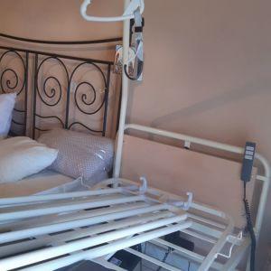 Νοσοκομειακό κρεβάτι ηλεκτρικό . Αχρησιμοποίητο!