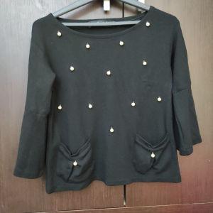 Μαύρη μακρυμάνικη μπλούζα με περλες