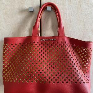 Κόκκινη τσάντα Αρμανι